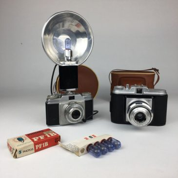1960's Agfa Silette and Agfa Isola cameras with original flash, bulbs and cases