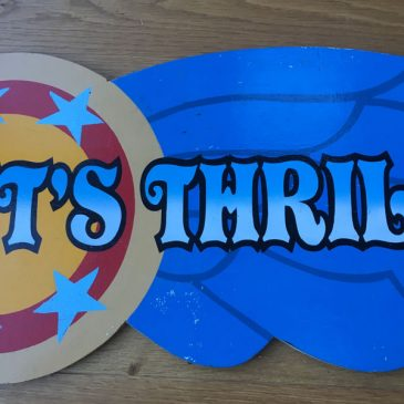 Its Thrilling - wooden painted fairground ride sign